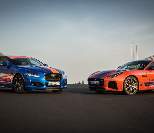 Jaguar-Renn-Taxi