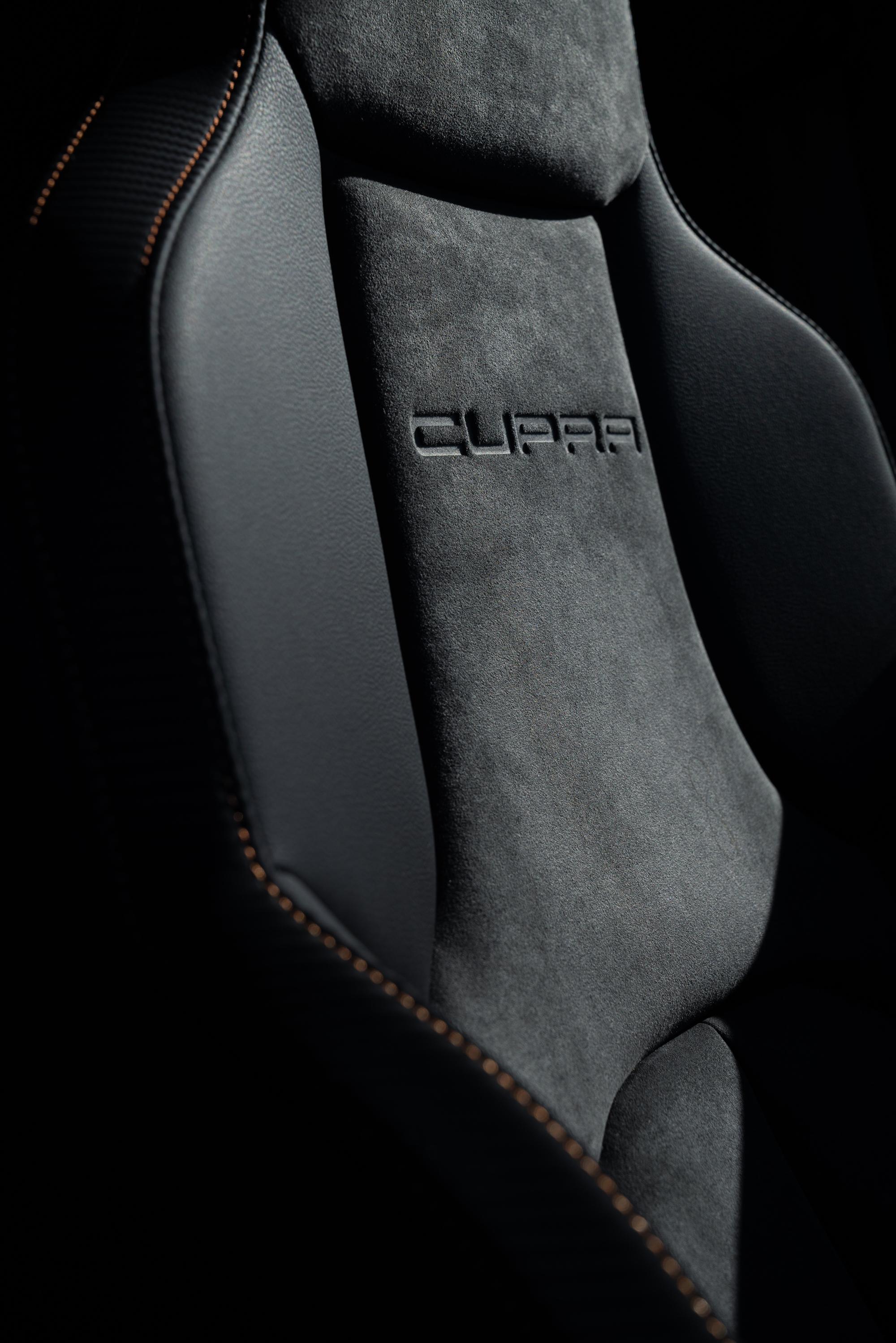 der neue seat leon cupra r st kombi nachgesch rft gas. Black Bedroom Furniture Sets. Home Design Ideas